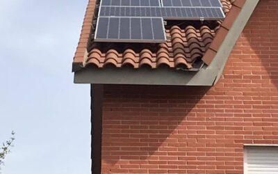 Instalación de paneles solares de 445W en Rivas