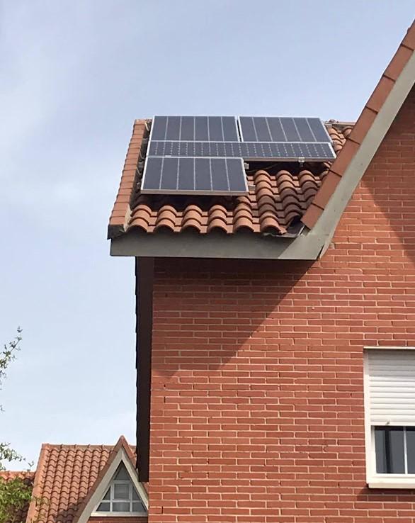 Con paneles solares... y sin ellos