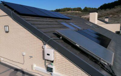 Paneles 'black': perfectos para los tejados de pizarra