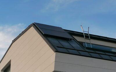 Integrando negro con negro: nueva instalación de Urbi Solar en La Moraleja